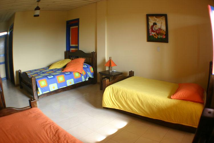 Finca hotel tumbaga for Casa muebles palmira