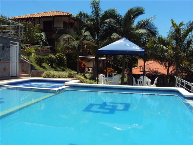 Hotel acuarella for Piscinas ramirez